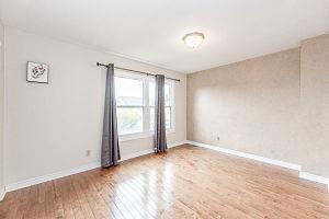 138-edgewater-30_bedroom1.jpg